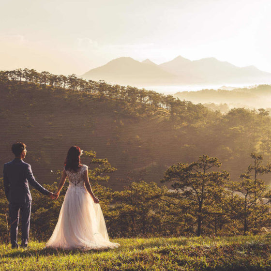 What Time Is Golden Hour and Why Is the Best for Wedding or Engagement Portraits