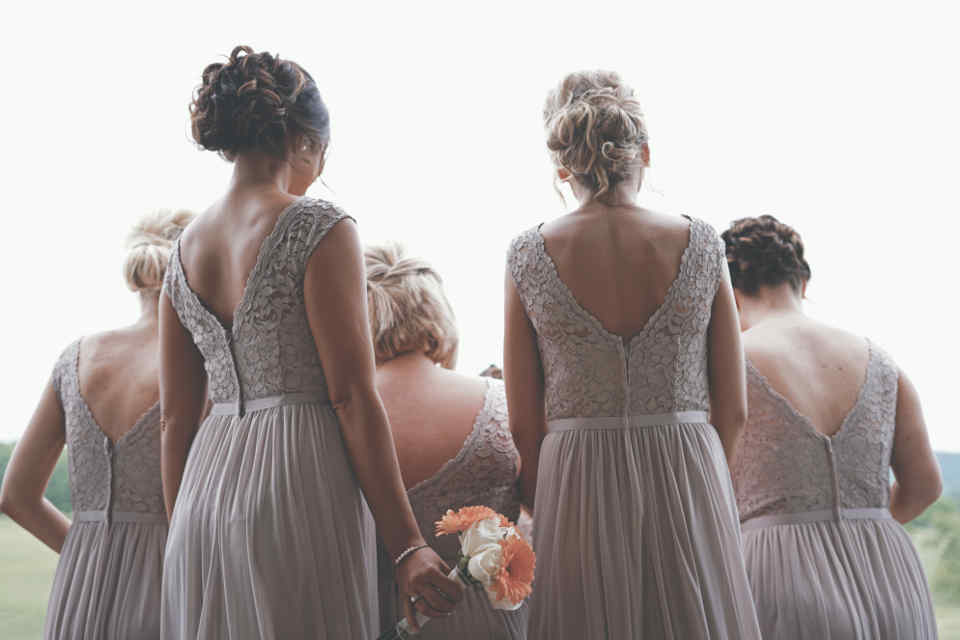 Choosing a bridesmaid who is already married today is no longer unusual