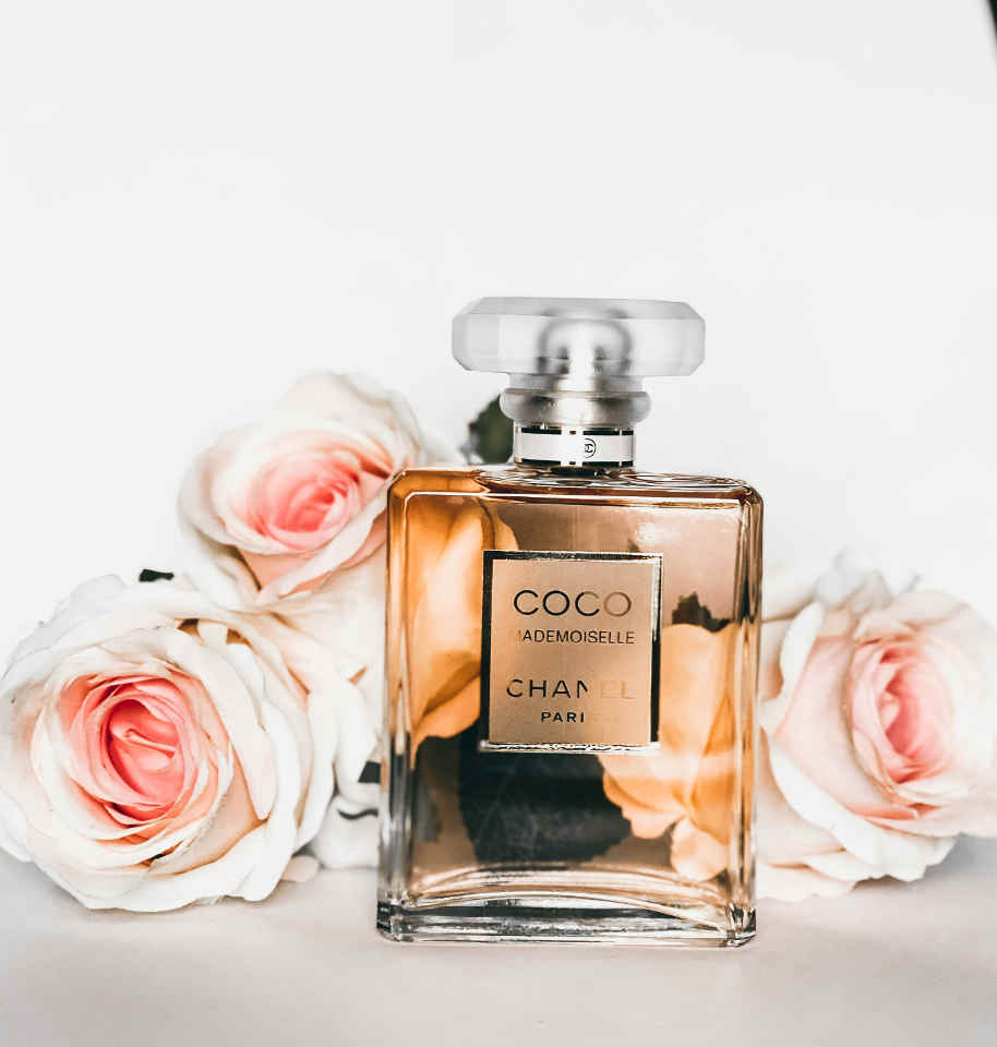 Perfumes are a popular gift given to a daughter on her wedding day  © Sara Saleh