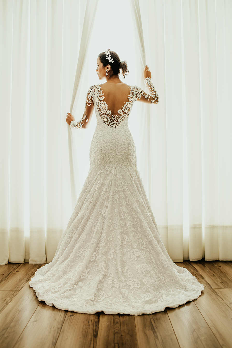 Traditionally, the bride's family pays for the bride's dress