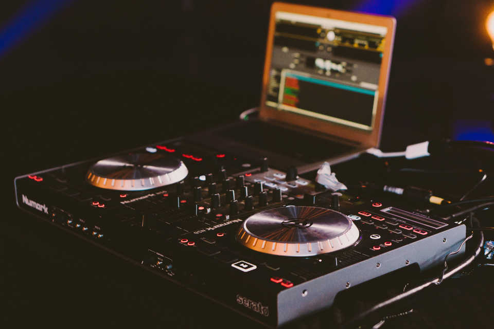 A wedding DJ charges between $150 – $300 for an hour-long performance